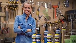 Ace retailers can meet Nicole Curtis, who'll be demoing Bernzomatic's Power Buy torch kit.